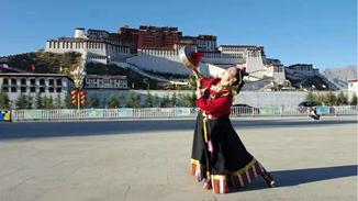 Dzekyid's path of passing down Tibetan dance