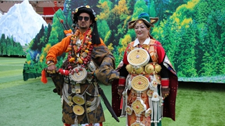 Traditional Tibetan costume revives in Shangri-La