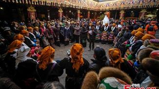 Tibetans celebrate Fairy Festival