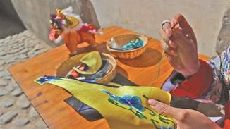 Ethnic Bai handicraft in vogue with innovation