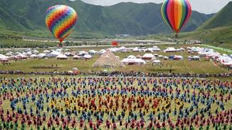 Guozhuang dance lights up Tibetan festivities