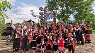 Lahu villagers blaze a path of cultural development