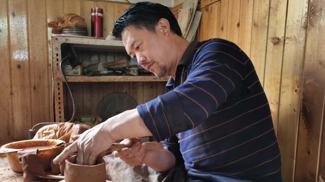 Black potteries——Tibetan heritage spanning two thousand years