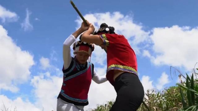 Lisu ethnic villagers celebrate harvest festival in SW China's Yunnan Province
