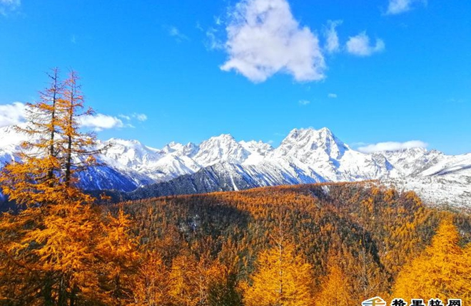 Profile of Baima snow mountain in late autumn