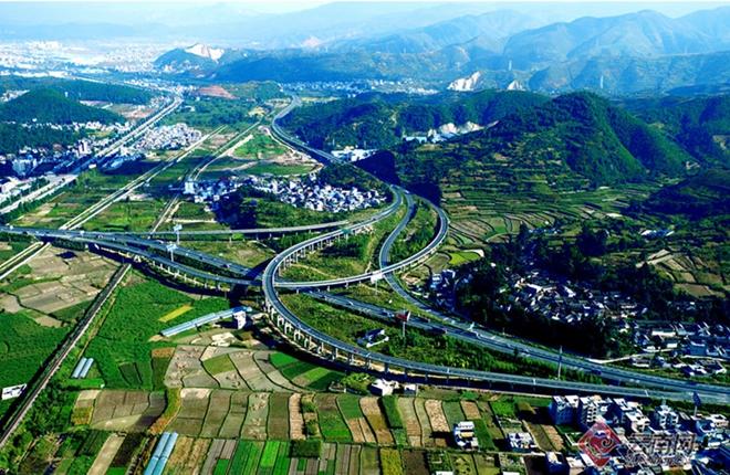 Dali-Lijiang freeway wins national golden award