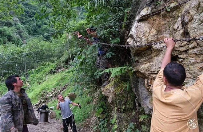 Zip lines assume new role in Nujiang's poverty relief