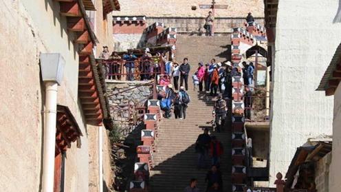 Sumtseling monastery lures tourists