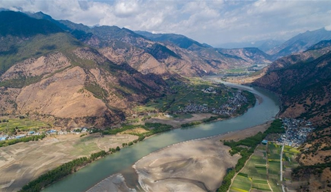 Aerial view of bend of Jinsha River in Lijiang neighboring Diqing