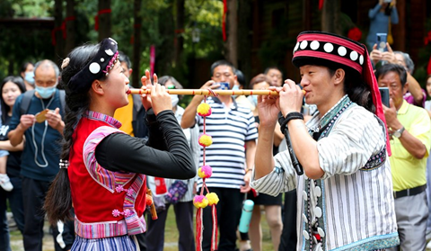 New Year of Lisu people lures tourists to Kunming